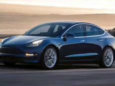 arizona woman arrested for trying to steal tesla model s car