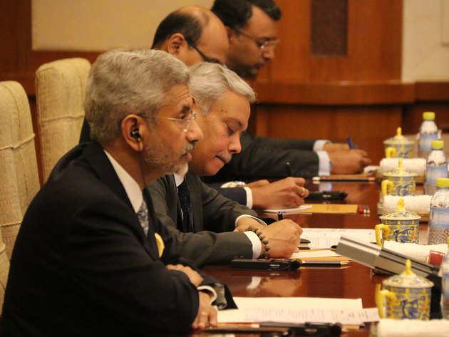 विदेश मंत्री 3 दिनों के चीन दौरे पर