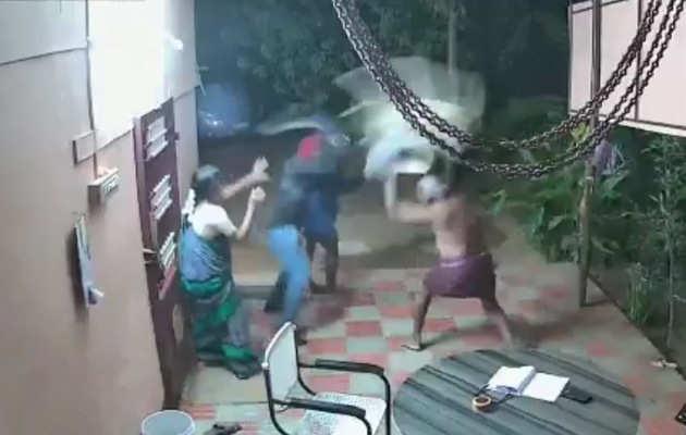 देखें: तमिलनाडु में एक बुज़ुर्ग जोड़े ने डकैतों को मार भगाया