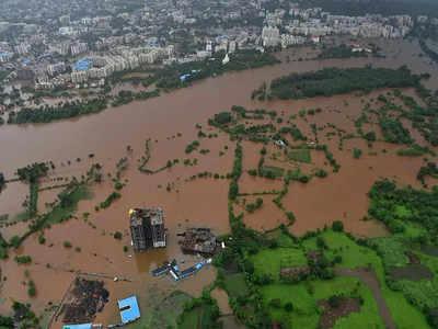 बाढ़ के बीच जलमग्न हुए कई इलाके
