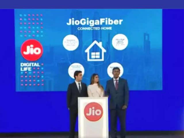 Reliance Jio GigaFiber के साथ फ्री मिलेंगे कई बेनिफिट, जानें डीटेल