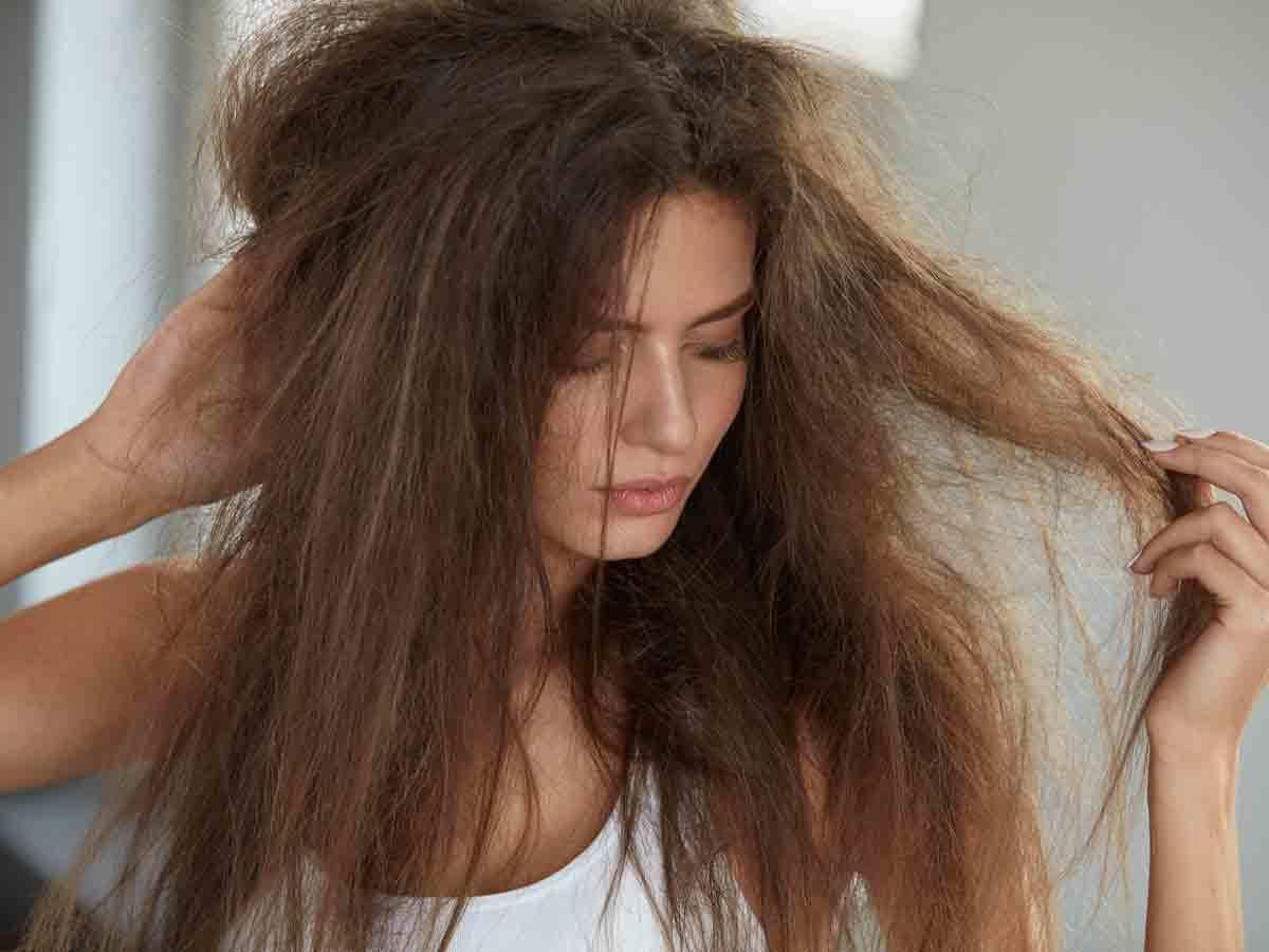 hair care mistakes: बालों के साथ न करें ये गलतियां, होगा permanent नुकसान - avoid these hair mistakes otherwise it will permanently damage your hair   Navbharat Times
