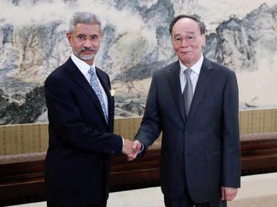 विदेश मंत्री का 3 दिनों का चीन दौरा खत्म