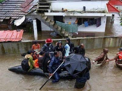 केरल में बाढ़ से हाहाकार