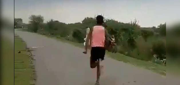 VIDEO: युवा ऐथलीट 11 सेकंड में 100 मीटर दौड़ा, खेल मंत्री ने कहा- मेरे पास भेजो