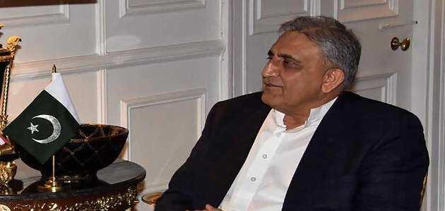 इमरान खान ने पाक आर्मी चीफ जनरल कमर जावेद बाजवा का कार्यकाल 3 साल के लिए बढ़ाया