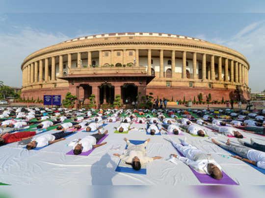 New Delhi: Lok Sabha Speaker Om Birla along with Parliamentarians and officials ...