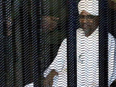 बशीर पर मानवाधिकार हनन के भी आरोप