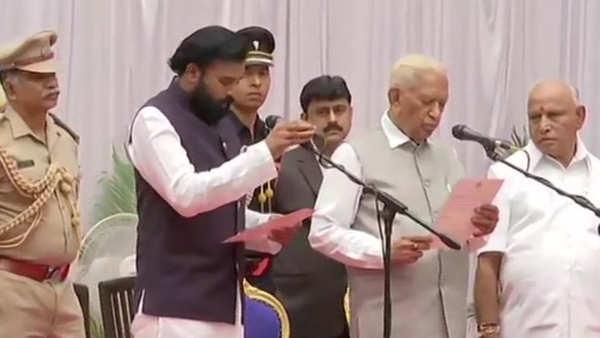 karnataka cm bs yediyurappa expands cabinet inducts 17 ministers