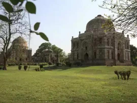 दिल्लीत झाडांनाही असणार क्यू-आर कोड!