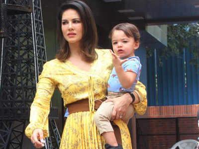सनी लियोनी बेटे के साथ
