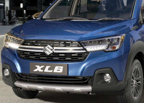 Maruti XL6: तस्वीरों में देखें कैसी है 6 सीट वाली नई कार