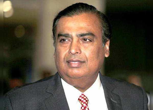 मुकेश अंबानी हैं देश के सबसे अमीर पर इनकम के मामले में ये भारतीय हैं आगे