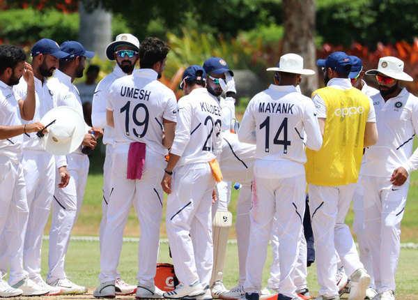 नई टेस्ट जर्सी में टीम इंडिया