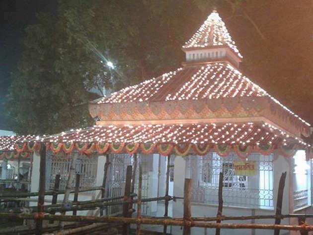 काचुआ के लोकनाथ मंदिर में हुआ हादसा