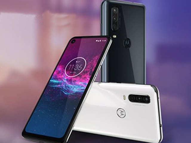 Motorola लाया अल्ट्रा-वाइड ऐक्शन कैमरे वाला पहला फोन, जानें कीमत