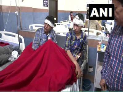 हादसे के बाद घायलों को अस्पताल में भर्ती कराया गया