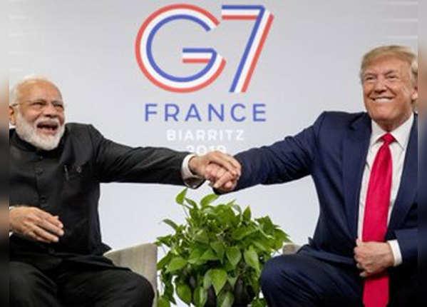 जी-7 के मंच पर दिखी PM मोदी और ट्रंप की दोस्ती