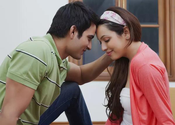 रिश्ते में आई नकारात्मकता को दूर करने का तरीका