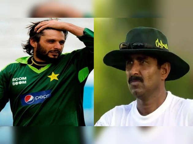 पाकिस्तानी खिलाड़ी शाहिद अफ्रीदी और जावेद मियांदाद करेंगे LOC का दौरा