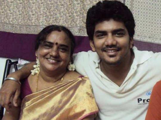 Tamil Bigg Boss Kavin mother