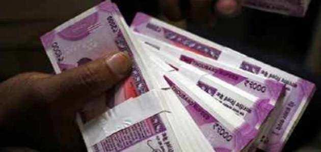 2000 के नोट हुए कम, 500 रुपये के नोट की संख्या बढ़ी