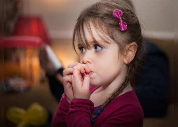 बच्चे की नाखून खाने की आदत से हैं परेशान तो ये तरीके आएंगे काम