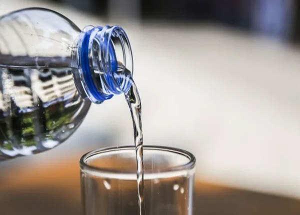 कहां से आई 8 ग्लास पानी की थ्योरी