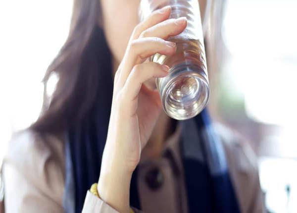 8 ग्लास पानी रोज पीना है जरूरी?
