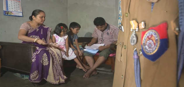 Assam NRC विवाद: पिता असम पुलिस में थे शामिल, बेटे का नाम लिस्ट से बाहर