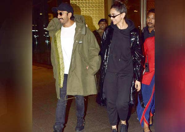 एयरपोर्ट पर एक साथ स्पॉट हुए रणवीर और दीपिका