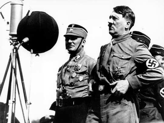 हिटलर पर बने दिलचस्प चुटकुले