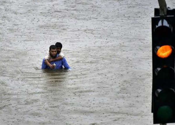 फिर बारिश से हलकान हुई मुंबई