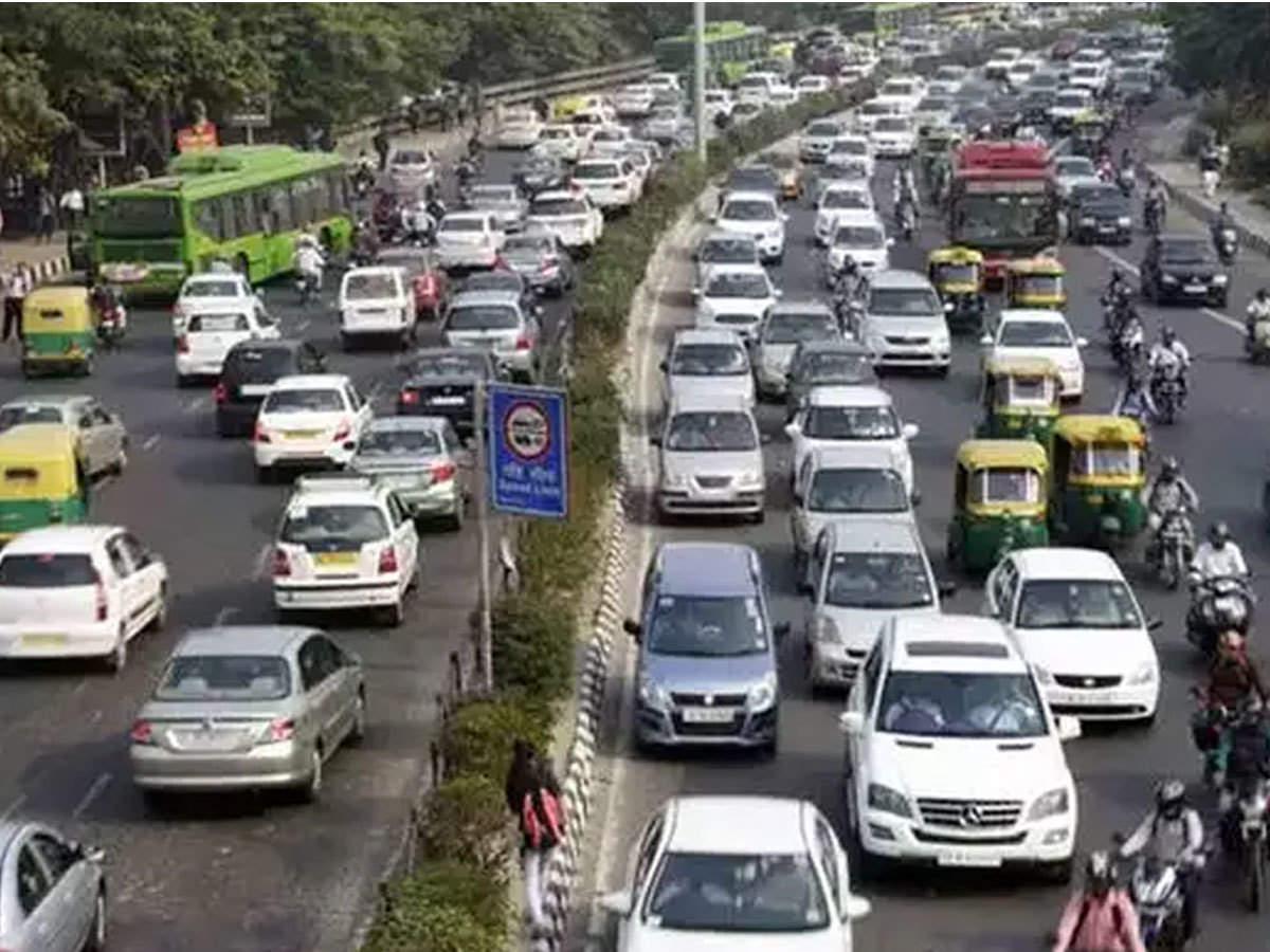 Image result for नये ट्रैफिक नियमों से क्या वाकई लोगों को लूट जा रहा है।