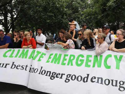 जलवायु मुद्दे पर दुनिया भर में कई प्रदर्शन हो रहे हैं