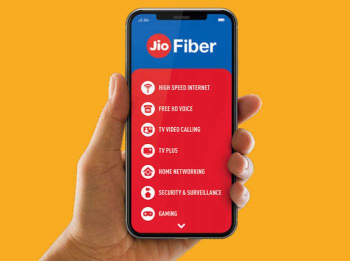 Jio Fiber के 6 प्लान, जानें किसमें क्या मिलेगा