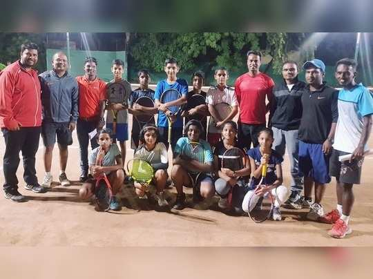 शालेय टेनिस स्पर्धेत ध्रुव हुद्दार, मृण्मयी जोशीला विजेतेपद