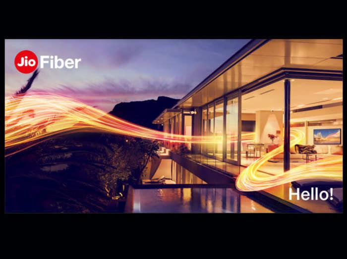 Reliance Jio Fiber हुआ लॉन्च, जानें 10 बड़ी बातें