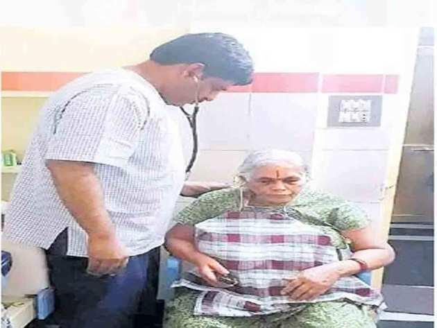 74 साल की उम्र में मां बनी महिला