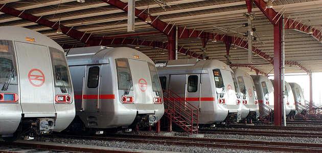 महिलाओं के लिए फ्री मेट्रो सवारी: SC ने दिल्ली सरकार को लगाई फटकार