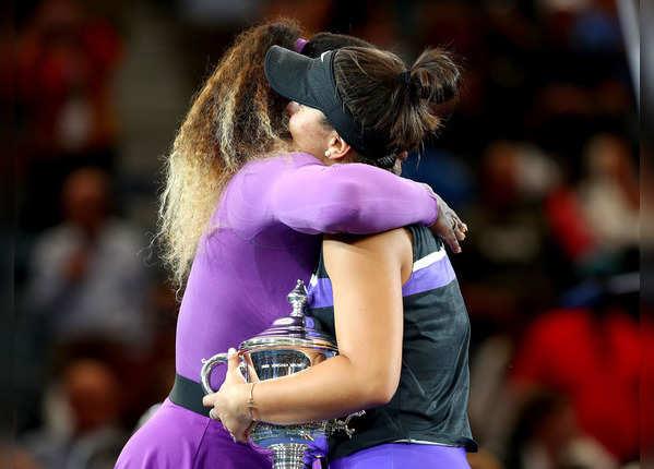 सेरेना ने गले लगकर बधाई दी