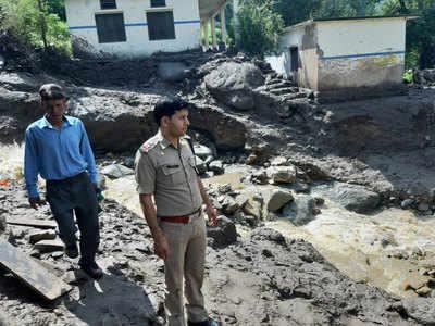 पुलिस ने किया प्रभावित स्थल का मुआयना