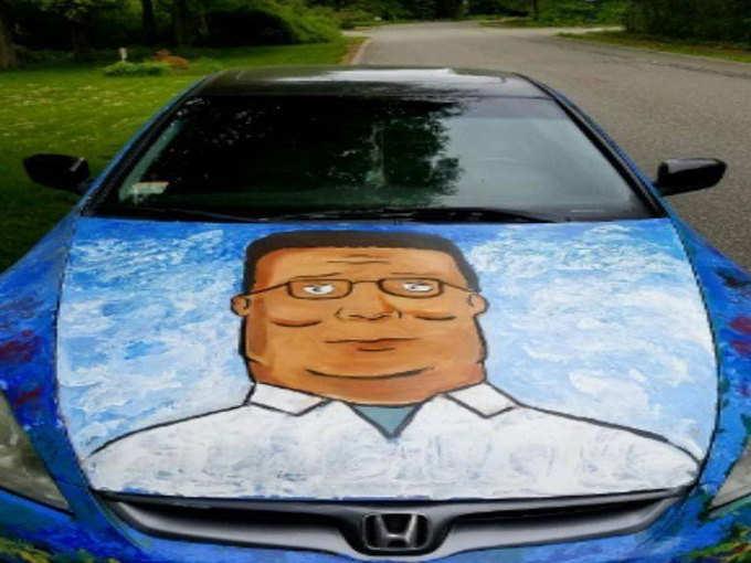 कार के मालिक ने पेंटिंग बनवा ली