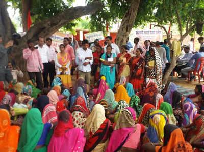 विभिन्न विभागों ने गांव में लगाए कैंप
