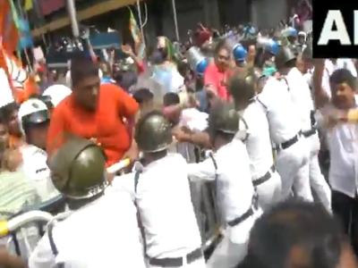 बीजेपी कार्यकर्ताओं और पुलिस में झड़प