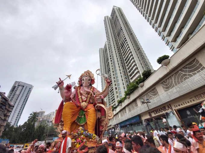 चैन पडेना आम्हाला...मुंबईचा गणेश विसर्जन सोहळा