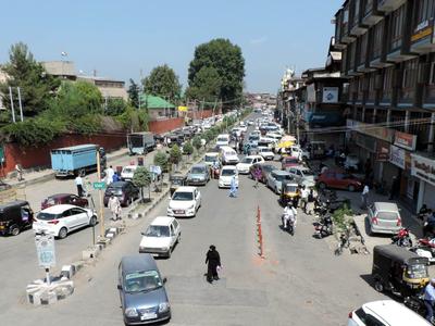 फाइल फोटो: श्रीनगर के कुछ क्षेत्रों में लगी पाबंदी