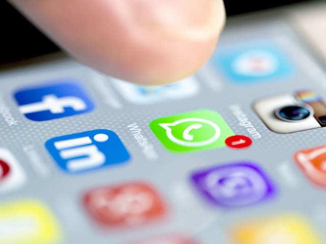 ई-मेल पर नहीं भेज पा रहे हैं बड़ा अटैचमेंट, तो वॉट्सऐप पर भेजें 100MB तक की फाइल्स