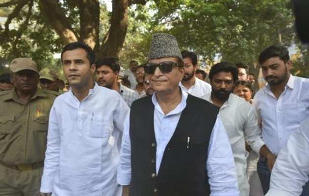 सपा नेता आजम खान पर अब जेल की जमीन हड़पने का लगा आरोप