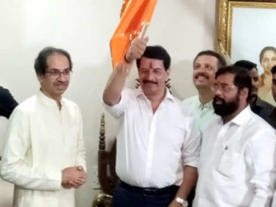 pradeep-sharma-with-uddhav